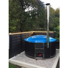 New! Hot tub with glass-fiber fill inside, spruce deck cladding and external fuse!
